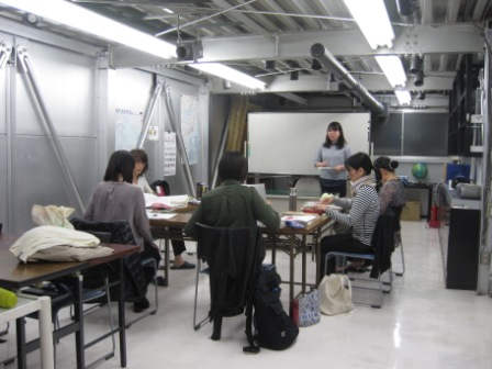 http://www.kyotominsai.co.jp/school/course/uploadimg/IMG_6276.JPG